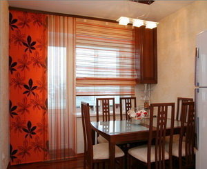 штори в кухні фото