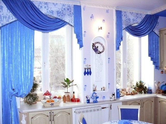 Дизайн кухни на два окна