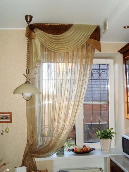 Шторы на кухонное окно