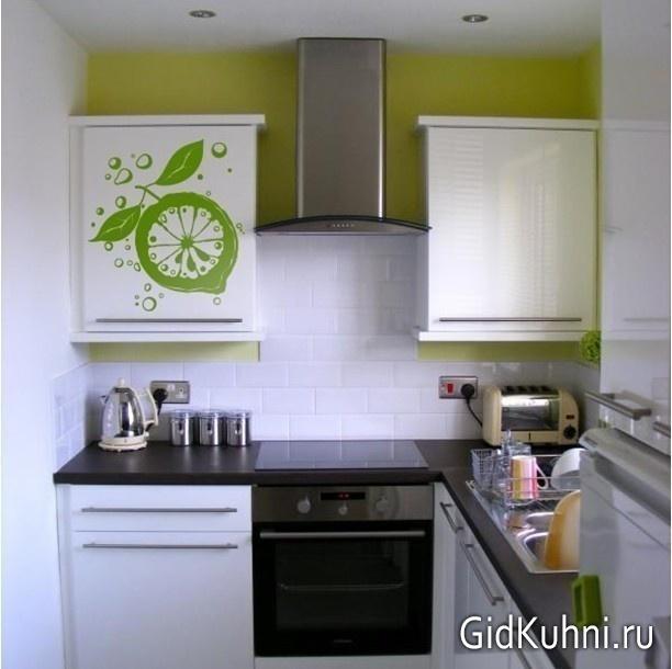 Фото маленькой светлой кухни