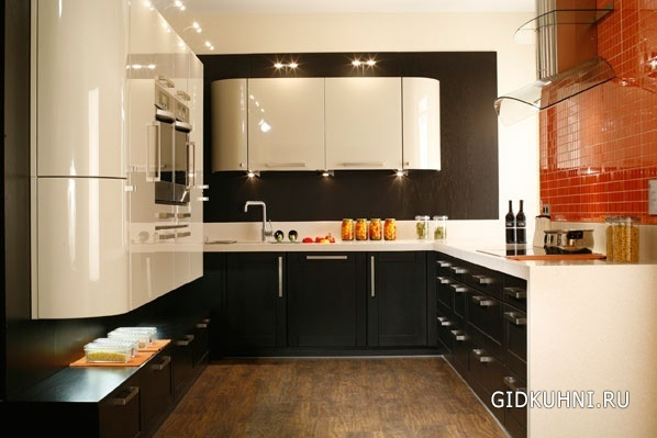 Интерьер кухни черно белой