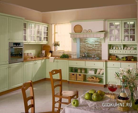 Кухня в нежно зеленом цвете