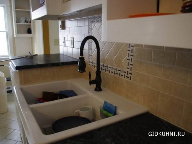 Кухни из стекла керамической плитки